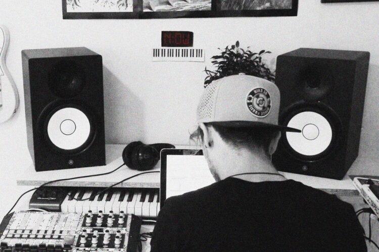 Jovis_Neringa FM