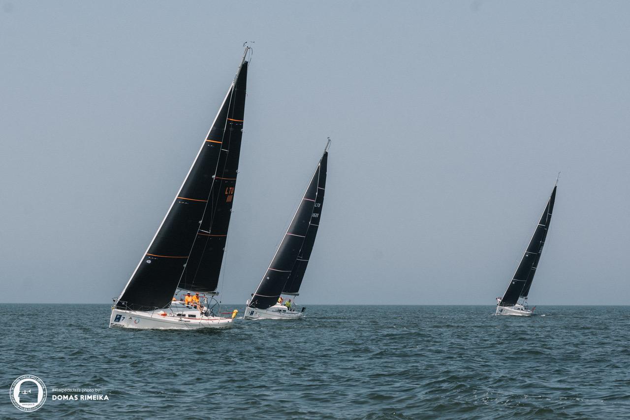ORC jūrinių jachtų čempionatas. Pirmi plaukia- jachta Nida III